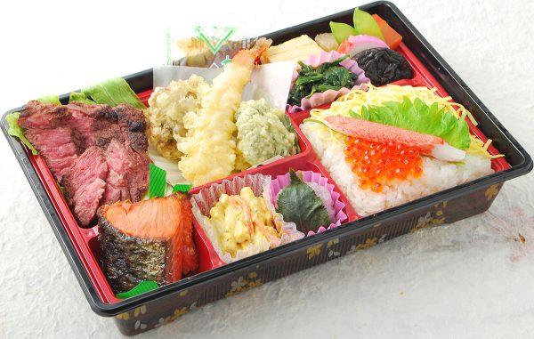 毎年1日100食完売のお花見弁当!